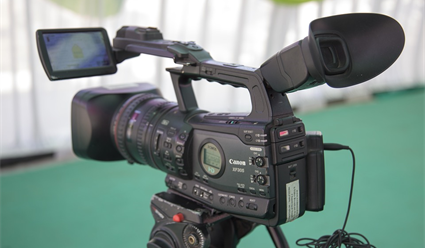 Автор фильмов одопинг-аферах вРФ напал на репортеров ВГТРК