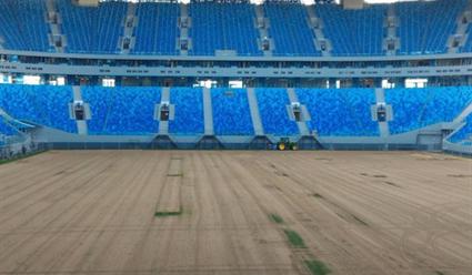 На «Зенит-Арене» срезают раскритикованный футболистами газон