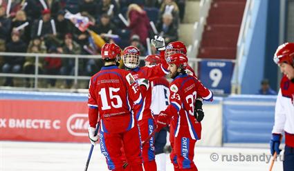 Сборная Российской Федерации похоккею смячом вышла вфинал чемпионата мира