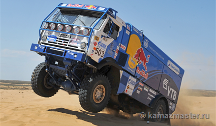 Экипаж Николаева стал победителем ралли «Дакар» взачете фургонов