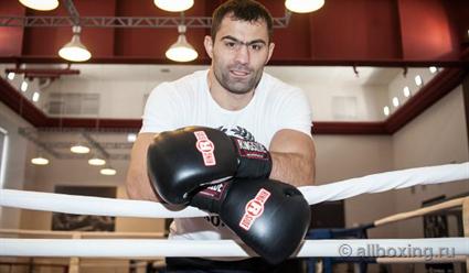 Олимпийский чемпион Чахкиев завершил карьеру боксёра