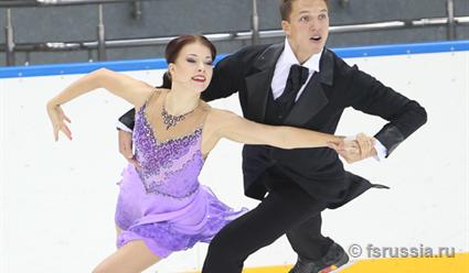 Русские фигуристы заняли весь пьедестал в состязании пар натурнире вБратиславе