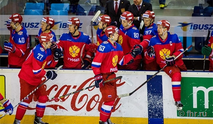 Российские хоккеисты проиграли шведам вматче Евротура