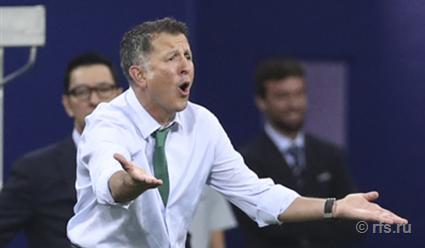 Главный тренер сборной Мексики дисквалифицирован на 6 матчей за споры с судьей на Кубке конфедераций