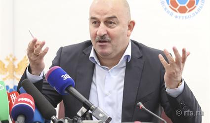 Станислав Черчесов: «Вернуть уважение ккоманде, это сейчас самое главное».