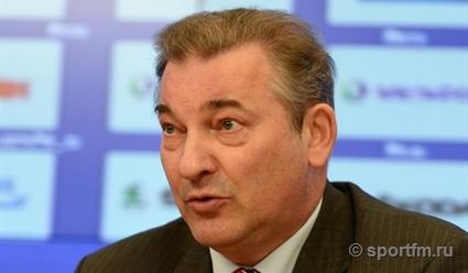 Исполнительница забыла слова гимна РФ перед матчем сборной
