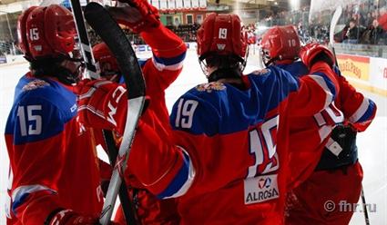 Юниорская сборная РФ похоккею спобеды стартовала наКубке вызова