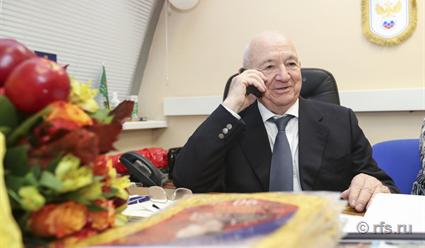 «Локомотив» поздравил с90-летием Никиту Симоняна