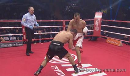 Максим Власов, победив Рахима Чахкиева нокаутом, завоевал титул интерконтинентального чемпиона WBA