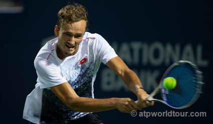Медведев близок, чтобы выиграть 2-ой турнир вкарьере