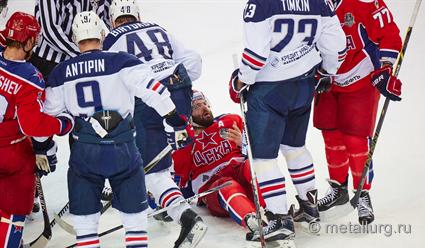 39;Металлург&#39 одолел ЦСКА и сравнял счет в финальной серии Кубка Гагарина